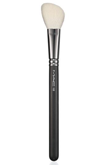 Mac 168 Large Angled Contour Brush: Light And Shade